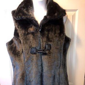 Faux Fur mid Length Vest Size 1X Sooooo Soft